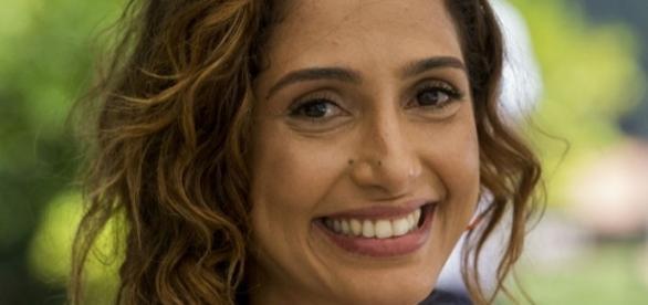 Camila Pitanga tenta encontrar a felicidade