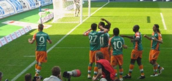 Schalke vs Werder Bremen [image:upload.wikimedia.org]
