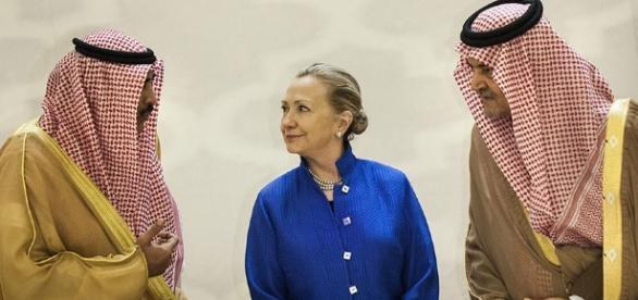 Clinton nie poinformowała Departamentu Stanu o milionowej dotacji z Kataru (fot. zakulisami.org)