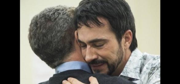 Pe. Fábio de Melo chorou ao abraçar Luciano Huck