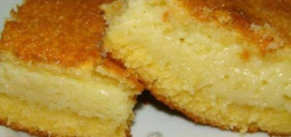 Delicioso bolo de fubá cremoso