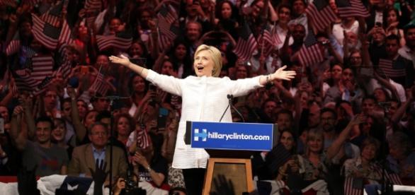 la Clinton e il dossier emailgate: procedimento archiviato