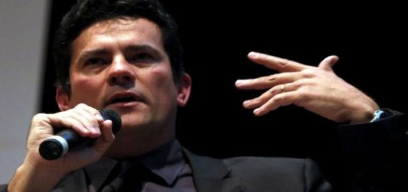Sergio Moro diz em entrevista que não entraria para Política.