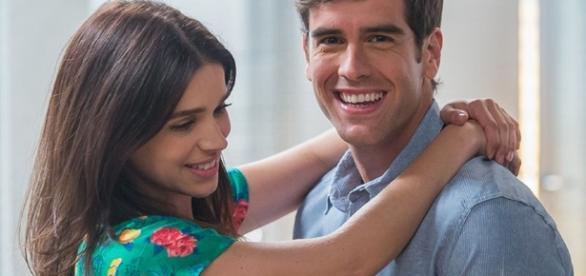Shirlei e Felipe fazem homenagem surpresa aos fãs no final de 'Haja Coração'