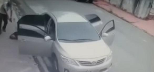 Vídeo mostra motorista do Uber matando bandidos durante assalto em São Paulo