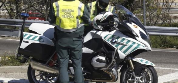 Agentes de los GRS han sido destinados control de carreteras secundarias