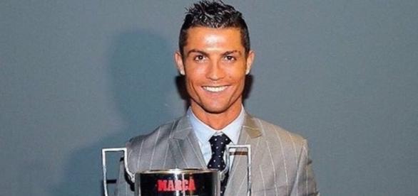 Another achievement - Cristiano Ronaldo receives his 3rd Pichichi ... - ronaldocr7.com
