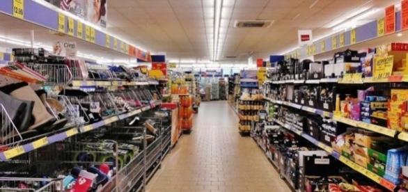 As vagas serão preenchidas na rede de supermercados Walmart, em diversas cidades.