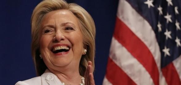Hillary ganha em cidades que já encerraram votação (Foto: Richard Ellis/Getty)