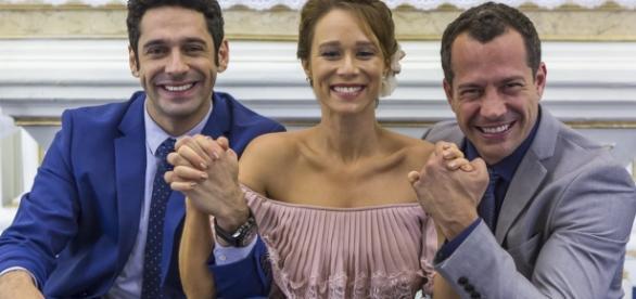 Imagem: João Baldasserini, Mariana Ximenes e Malvino Salvador nas gravações da novela