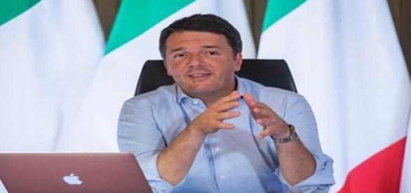 Matteo Renzi durante il #matteorisponde di mercoledì 9 novembre