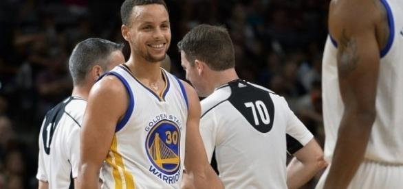 Stephen Curry lográ un nuevo record en la NBA