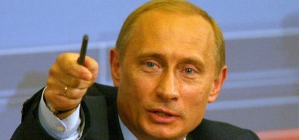 Il presidente russo Putin si congratula con Donald Trump
