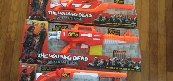 These dart blasters are directly inspired by 'The Walking Dead'. / Photo via Meagan J. Meehan, Blasting News.