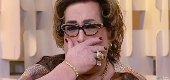 Apresentadora chora ao vivo - Foto/Reprodução: SBT