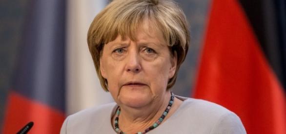 Gegen die Angst vor offenen Grenzen sollen sie Deutschen Blockflöte spielen, meint die Kanzlerin.