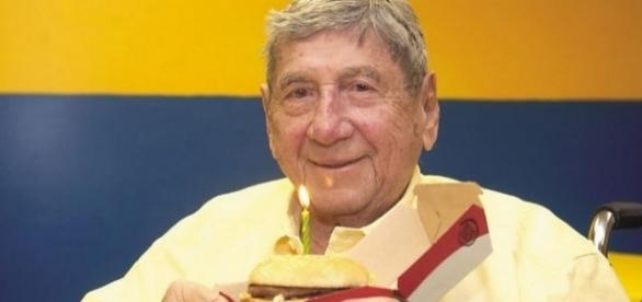 Inventor of McDonald's Big Mac burger Michael Delligatti dies aged ... - mirror.co.uk