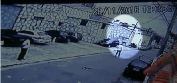 Policial civil é assassinado por um bombeiro ao ser confundido com um bandido.