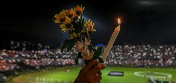 Torcedores no estádio Atanasio Girardot (Luis Acosta/AFP)