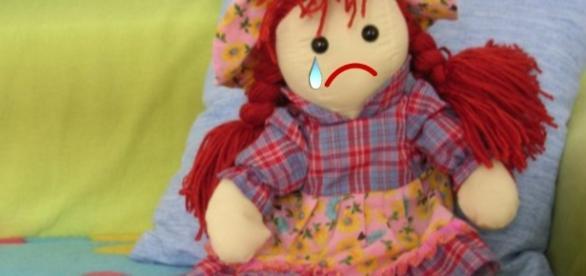 Criança é violentada pela mãe e também pelo próprio pai, indo parar no hospital