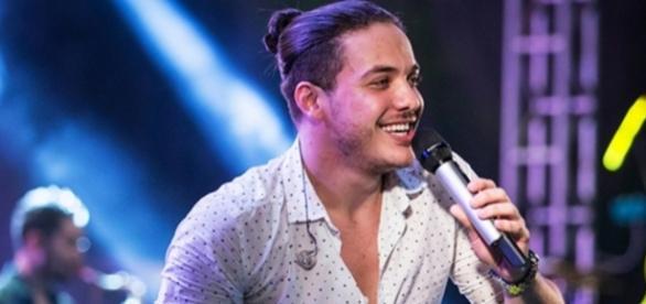 O cantor estava hospedado em hotel de Manaus com sua esposa, Thyane Dantas