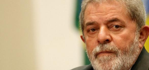 O surgimento de mais uma denúncia contra Lula,agitou ainda mais o cenário político do país