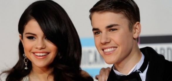 Os dois cantores estão solteiros