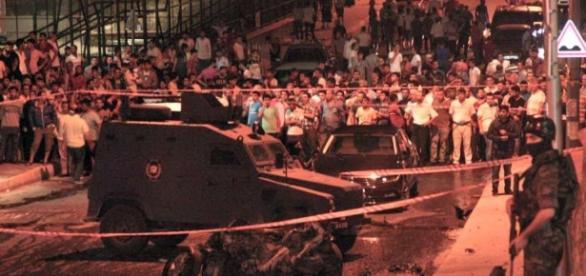 Turchia, ondata di attentati del Pkk contro esercito e polizia: 6 ... - ilfattoquotidiano.it