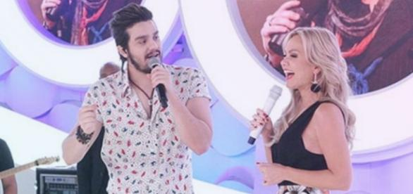 Eliana conta como foi ver Luana Santana pelado
