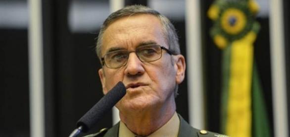 General Eduardo Villas Bôas concede entrevista e retrata o momento atual do Brasil