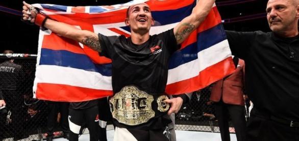 Holloway é o novo campeão do UFC (Foto: Reprodução/Facebook/UFC)