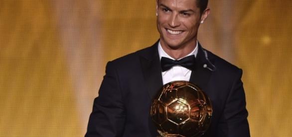 France Football elege Cristiano Ronaldo o melhor jogador de 2016 em todo o mundo