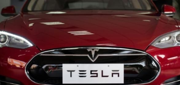 Nouveau couac pour les voitures Tesla - Libération - liberation.fr