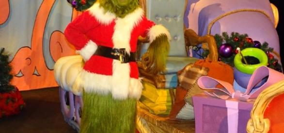 The Grinch greets guests at Islands of Adventure. (Photo by Barb Nefer)