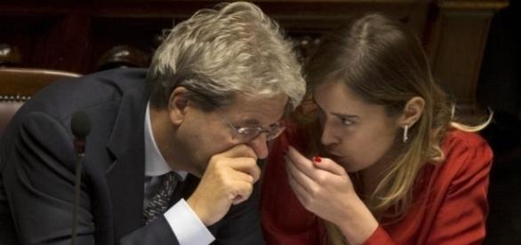 A sinistra Paolo Gentiloni, a destra Maria Elena Boschi.