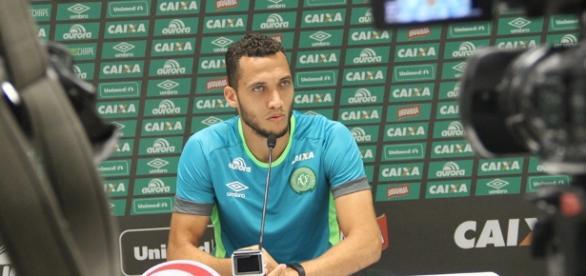 Fernando Amaral FC: O zagueiro Neto da Chapecoense piora e seu ... - blogspot.com