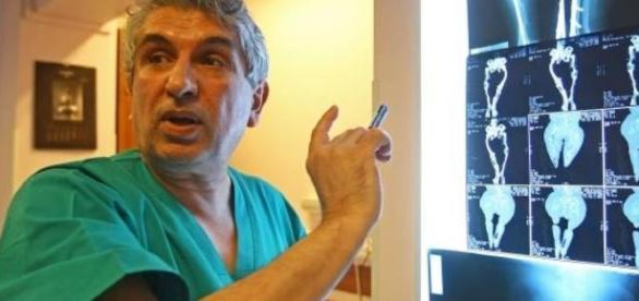http://www.rfi.ro/social-86940-chirurgul-gheorghe-burnei-uneori-ti-e-frica-sa-intri-sala-de-operatie