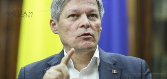 INTERVIU - Premierul Dacian Cioloş: Ceva nu e în... | News.ro - news.ro