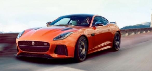 Jaguar F-Type SVR faz de 0 a 100 km~h em apenas 3,7 segundos