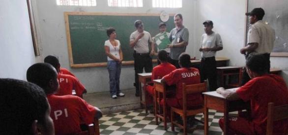 Presidiários fazem prova do ENEM em todo o Brasil (Foto: Reprodução)