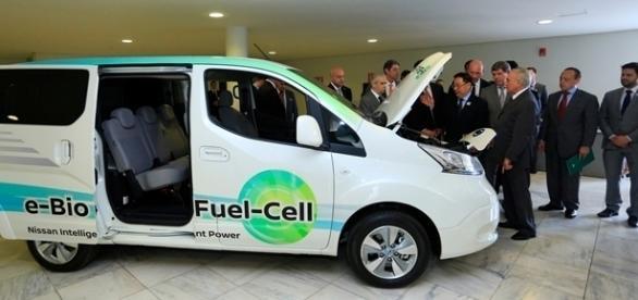 Veículo desenvolvido pela Nissan tem autonomia de 600 km e agora passará por testes de rua