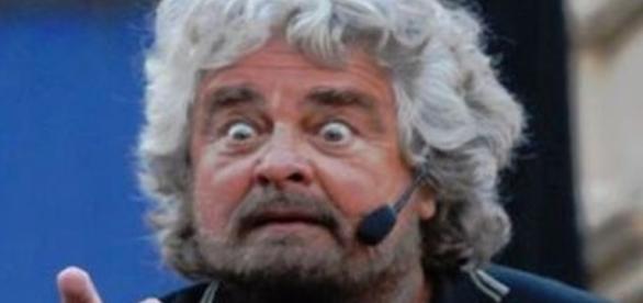 """Beppe Grillo e la sua ultima battuta: """"siete dei walking dead"""""""