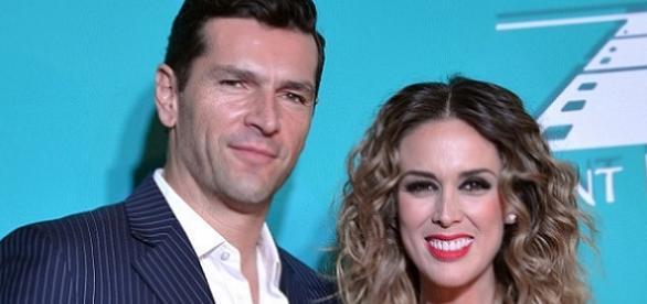 Jacqueline Bracamontes e o marido
