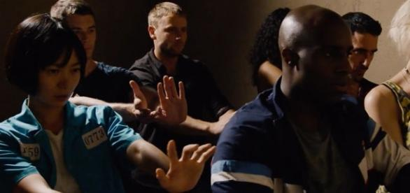 O novato Toby Onwumere (primeiro plano, à direita) substitui o britânico Aml Ameen no papel de Capheus. (divulgação)