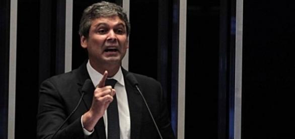 Justiça suspende direitos políticos de LIndbergh Farias por 4 anos (Foto: Reprodução)
