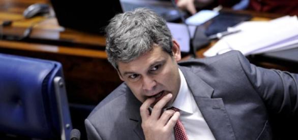 Lindbergh Farias está sendo julgado em Nova Iguaçu