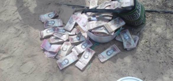 Billetes de Bsf 100 resucitan en Venezuela