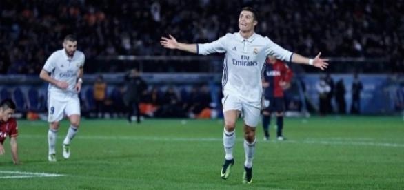 Cristiano Ronaldo faz hat-trick e decide título para o Real