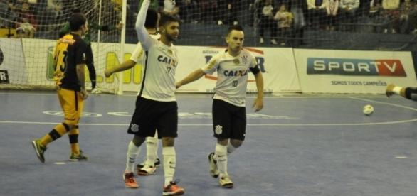 Leandro Lino realizará o sonho de jogar ao lado de Falcão