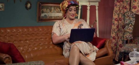 Dona Hermínia está mais hilária do que nunca